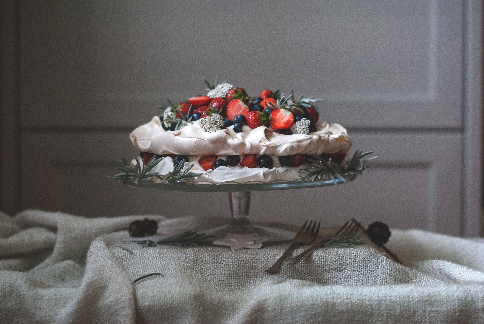 pavlova s ovocim