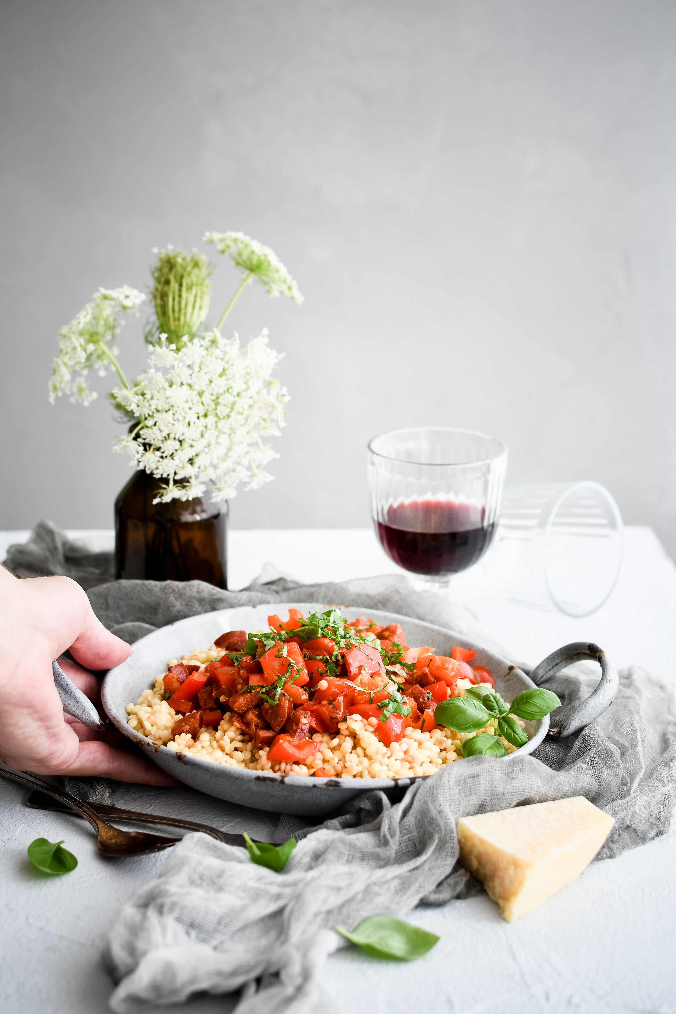 tarhona s omackou / pasta with tomato sauce photography