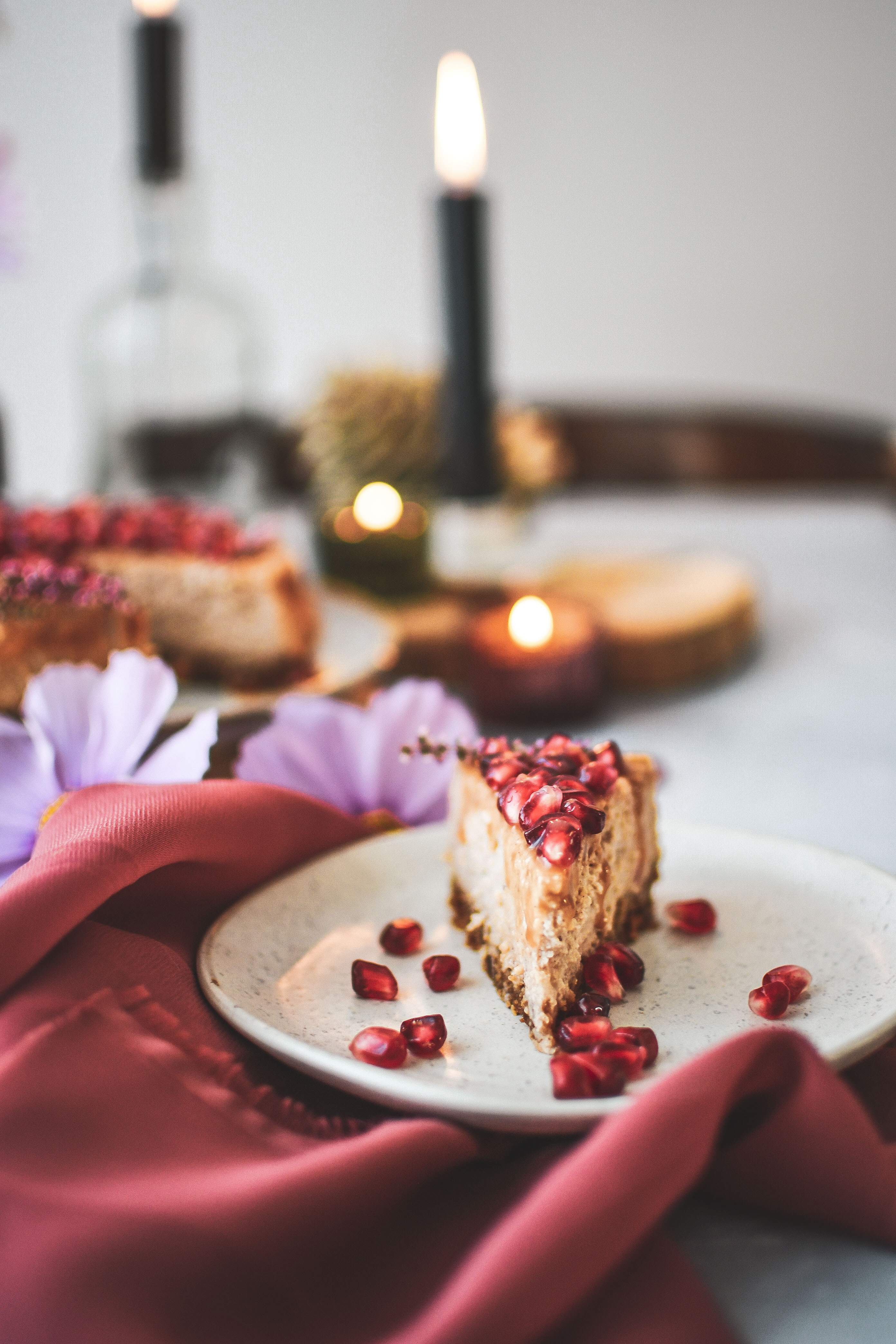 salted caramel pernikovy cheesecake photography