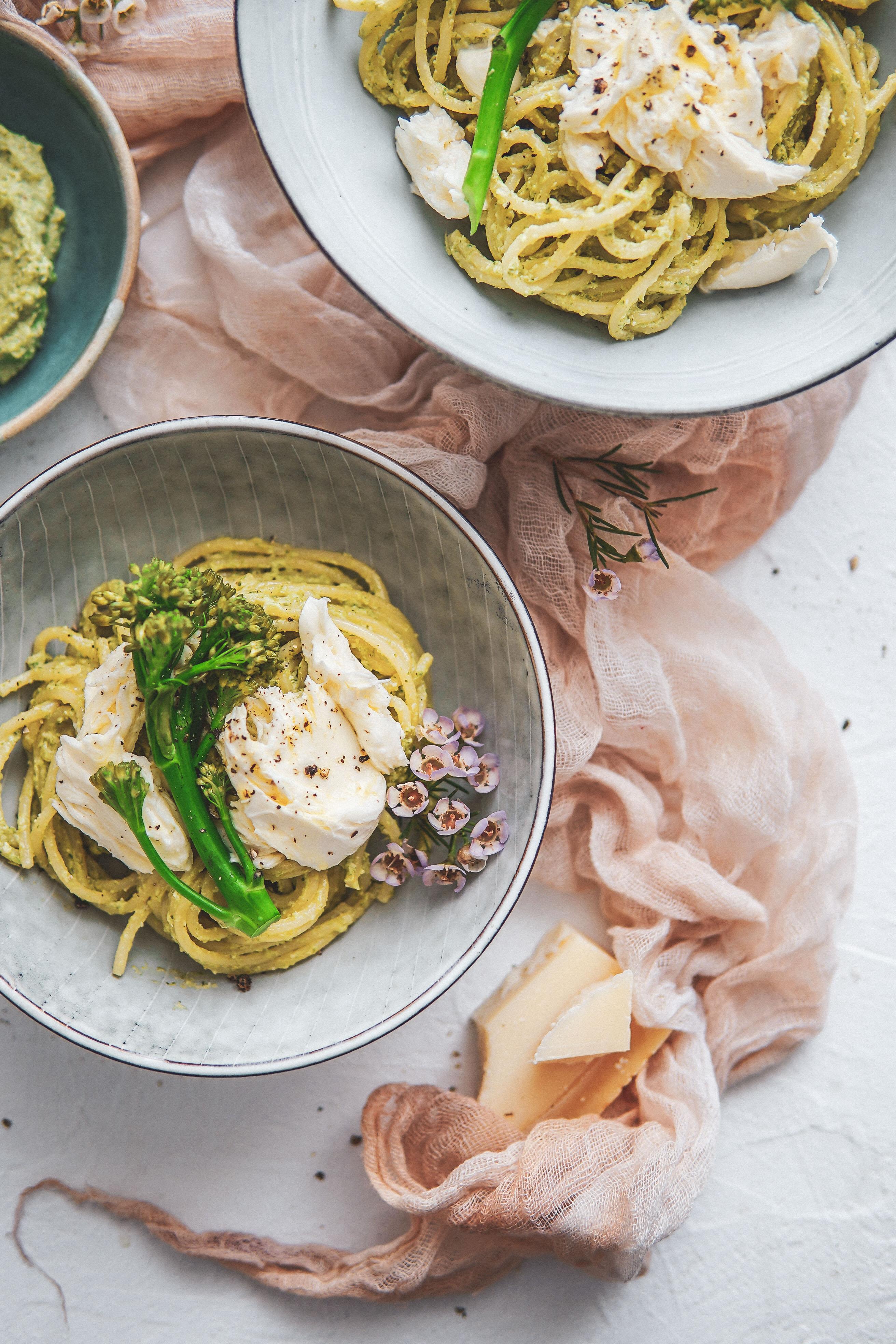 broccoli pesto pasta cestoviny s brokolicovym pestom photography